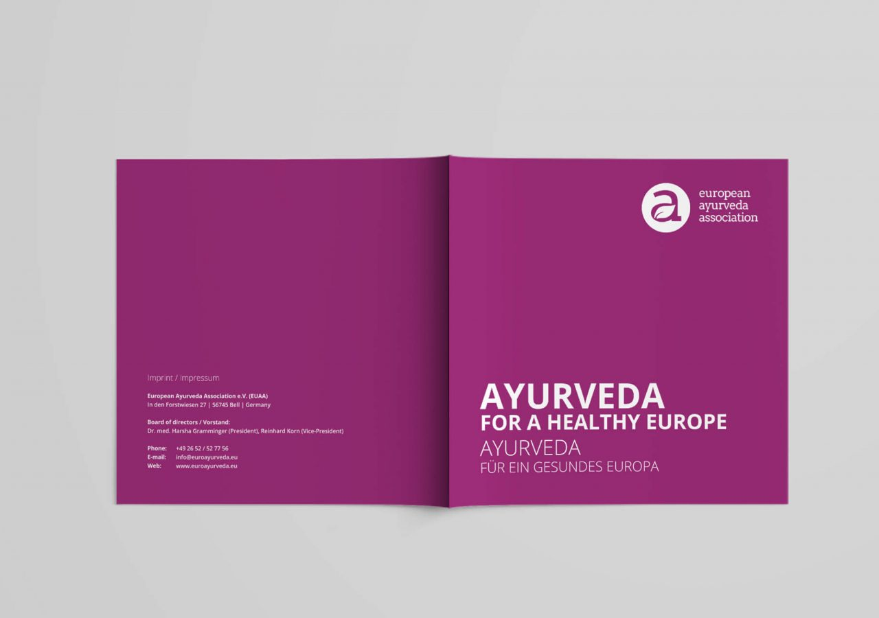 Cover und Rückseite der Image-Broschüre der european ayurveda association (EUAA)